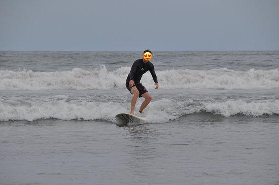 Choco's Surf School: 1st wave! Pura vida.