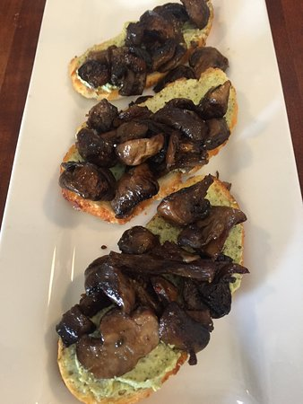 King City, CA: Roasted Mushroom Toasts