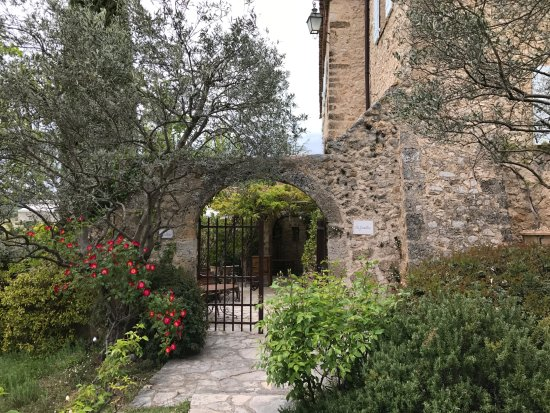The entrance gate - Photo de La Bastide de Moustiers, Moustiers ...