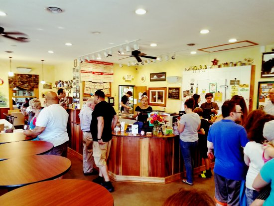 Bel Air, MD: A busy Sunday afternoon