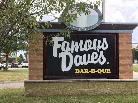 Grandville, MI: Famous Dave's sign out front.