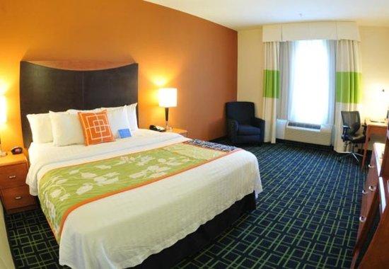 Clovis, CA: King Guest Room