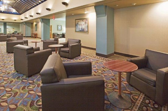Holiday Inn Binghamton - Hawley St/Downtown: Lobby Lounge