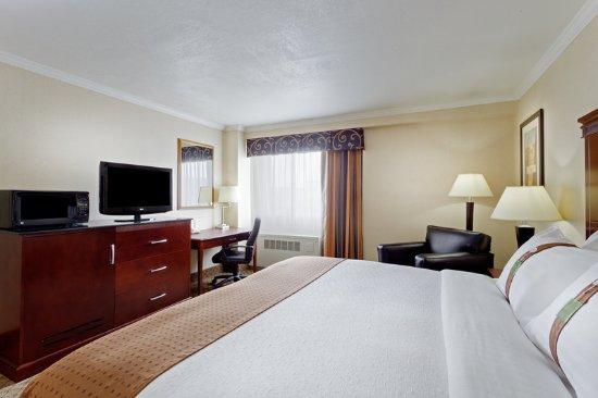 Holiday Inn Binghamton - Hawley St/Downtown: King Bed Guest Room