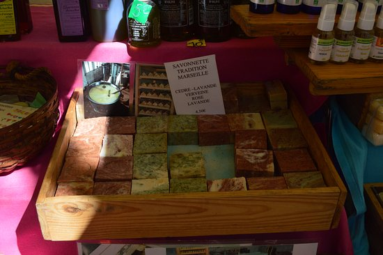 Uzes, Francia: Handmade soaps
