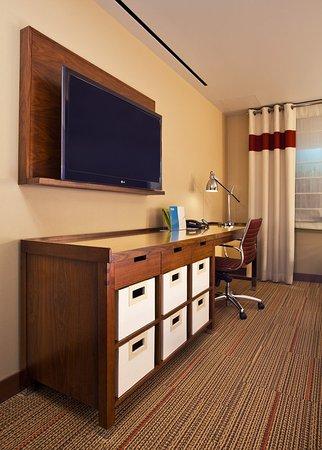 Sherwood Park, Canadá: Model Room Desk
