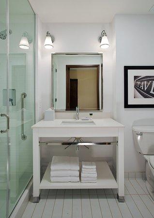 Sherwood Park, Canadá: Model Room Bathroom