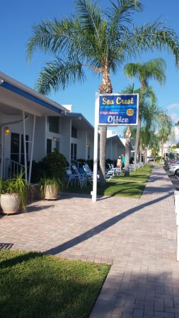 Sea Crest Apartments on Siesta Key : The main office