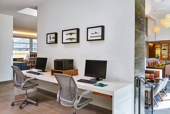 Basalt, โคโลราโด: Business Center