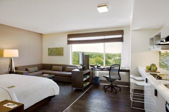 Lexington, MA: Guest Room