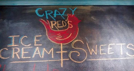 Weirsdale, FL: Proud home to Crazy Red's Ice Cream and Sweets