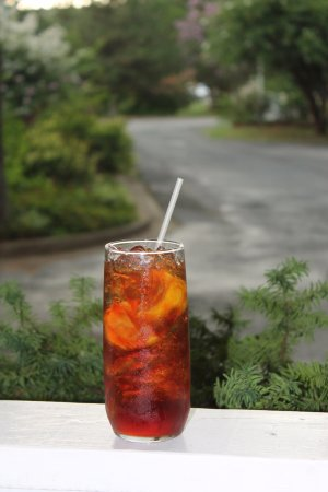 Whispering Pines Bed and Breakfast : Make sure you sample the sweet tea!