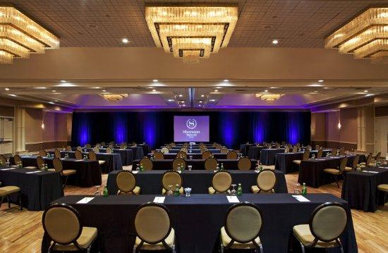 Mahwah, NJ: Ballroom - Meeting Setup