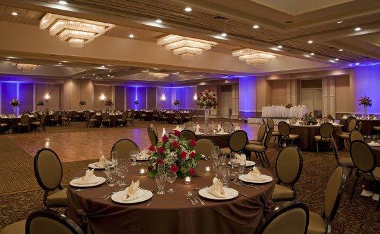 Mahwah, NJ: Ballroom - Social Setup
