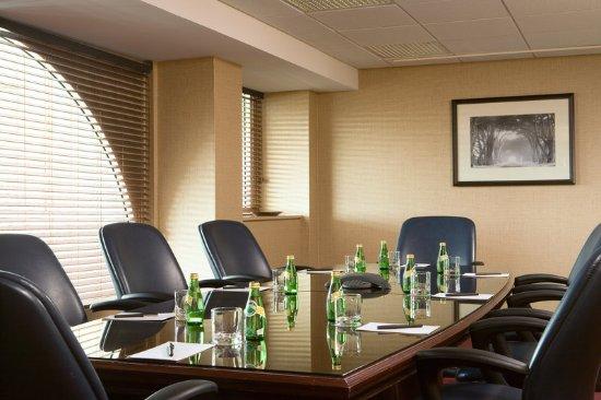 Eatontown, NJ: Boardroom