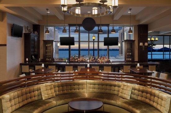 Sheraton Erie Bayfront Hotel: Bayfront Grille Bar
