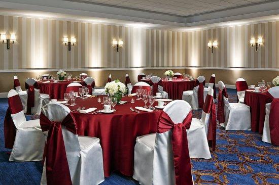 บรุกฟีลด์, วิสคอนซิน: Social Ballroom