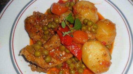 Anelo, Argentyna: Bife a la criolla el mejor plato de fyp viandas. Buenisimo!!