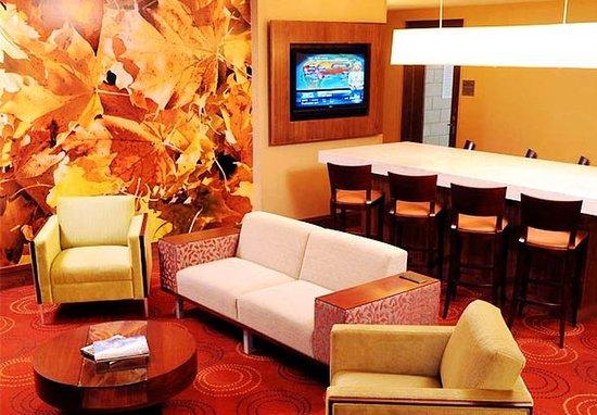 Penfield, État de New York : Lobby Seating Area