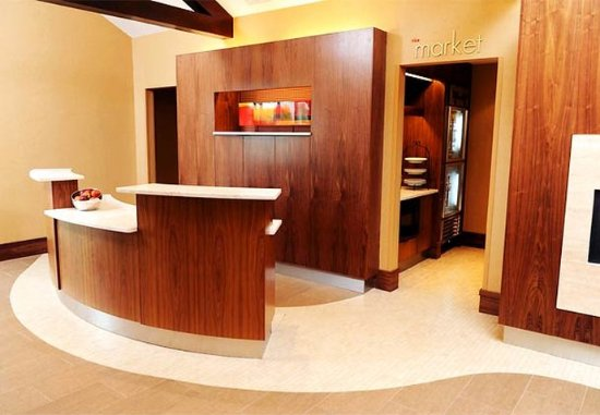 Penfield, NY: Front Desk