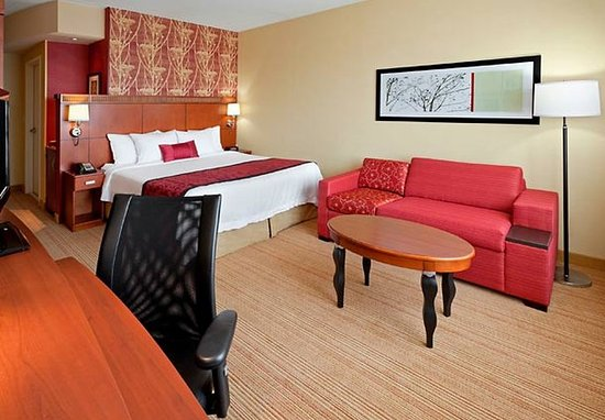 Collegeville, PA: King Guest Room