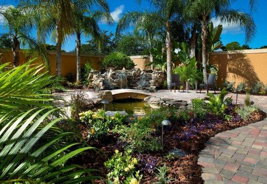Oldsmar, FL: Courtyard Terrace