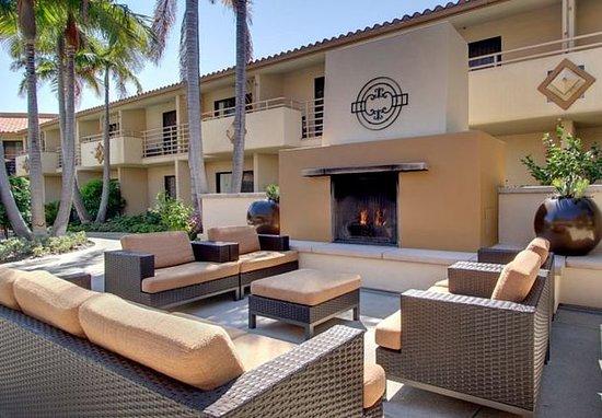 Solana Beach, CA: Outdoor Courtyard