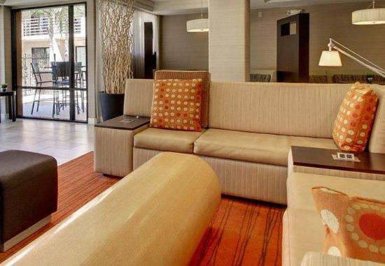 Solana Beach, CA: Lobby – Seating Area