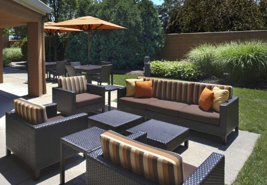 Rossford, OH: Outdoor Terrace