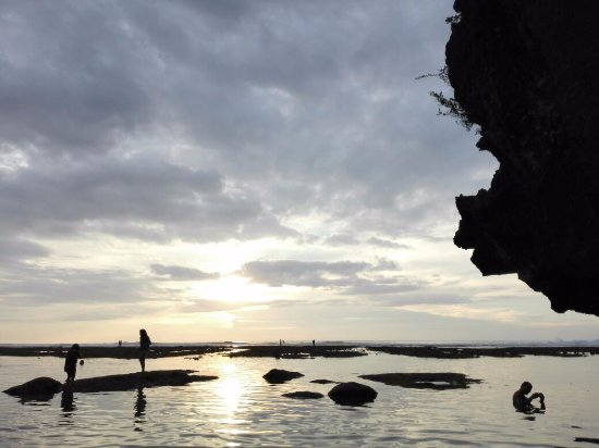 ซูริค, สวิตเซอร์แลนด์: Amazing sunset view from the ground level at Pantai Sulaban, Uluwatu Bali.