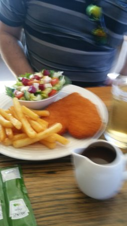 Campbell Town, Australia: Hubby loved how gravy came in little jug so you could use as much or as little as you liked.