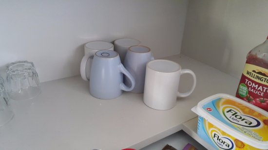 Wairoa, New Zealand: Cups and glasses