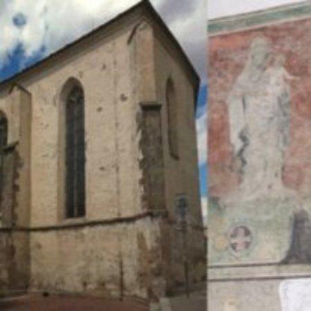 Cheb, สาธารณรัฐเช็ก: Общий вид и сохранившаяся фреска