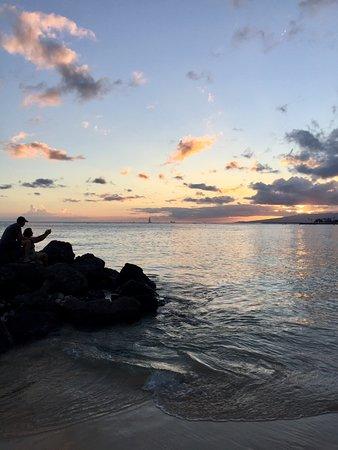 Outrigger Reef Waikiki Beach Resort Photo