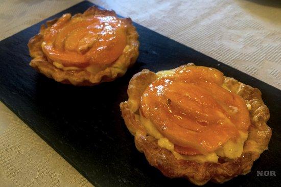 Сан-Рокко-а-Пилли, Италия: Apricot tarts