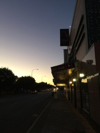 Mount Lawley, ออสเตรเลีย: Outside the restaurant