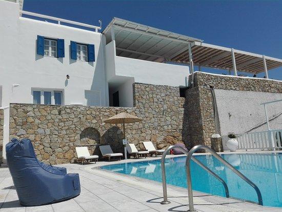Mykonos Essence Hotel: IMG_20170610_150130_large.jpg