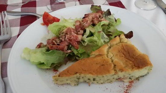 Brioude, France: Un très bon déjeuner medieval