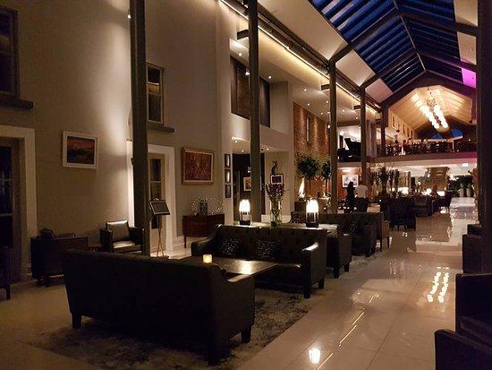 Lyrath Estate Hotel & Spa: Reception area lounge