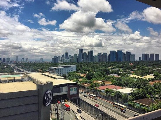 Hotels Near Manila International Airport