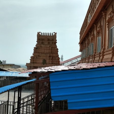 Yadagiri Gutta Temple: A view of temple and gopuram from the exit side