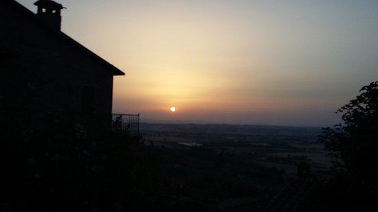Piegaro, Italia: 20170809_200826_large.jpg