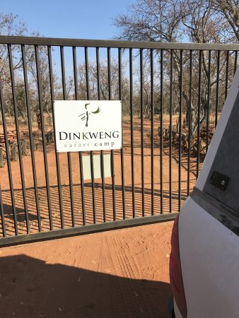 Vaalwater, South Africa: Finally there, the last fence that gives access to Dinkweng