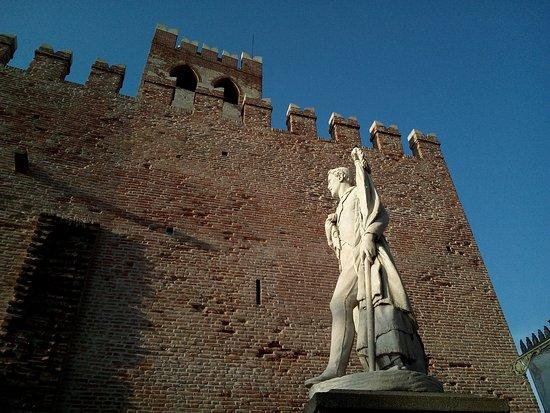 Ноале, Италия: Porta e Torre Trevigiana