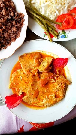 La Colonial: Fish with coconut sauce, this is a traditional dish in Baracoa.