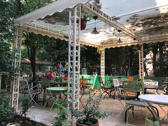 ladovina kitchen and wine bar ladovina pikny taras - Taras Kitchen