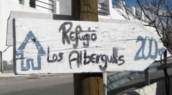 Pitres, Spanien: Signpost on Paseo Maritimo