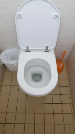Aveyron, Frankreich: Sanitaire globalement propre
