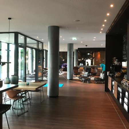 Motel One Hamburg Airport: photo1.jpg