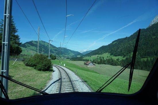 GoldenPass Line : Picturesque!